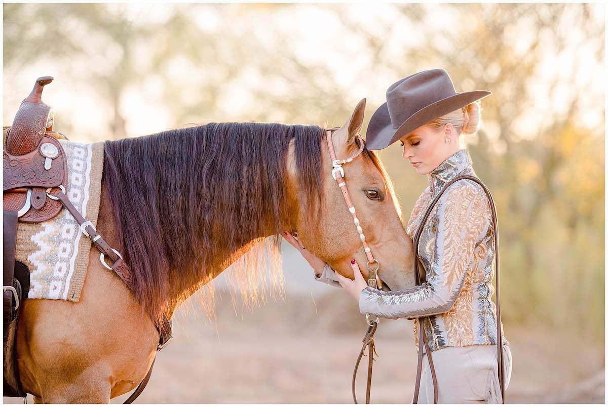 Як навчитися кататися на коні